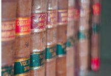 kolekcija starih knjiga